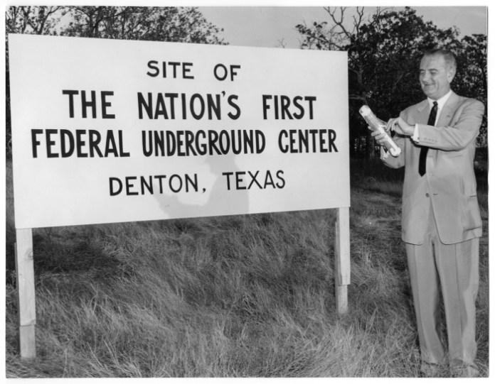 Vista principal del objeto titulado 'Lyndon Johnson'.