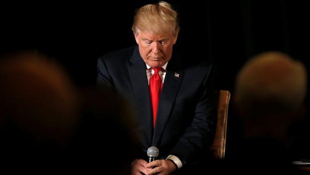 Trump, ¿dónde está? En ninguna parte – Por Eloy Torres