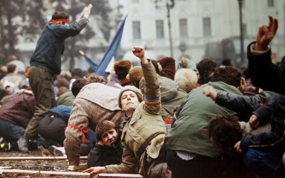El Fin que Ceausescu No Quiso Ver (V) – Por Eloy Torres