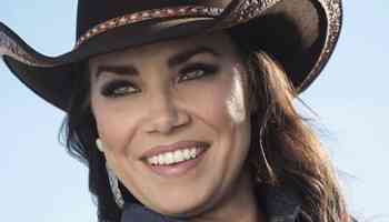 kaci riggs myers women of strong character & tenacious spirit cowgirl magazine