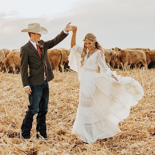 autumn wedding cowgirl in love wedding cowgirl magazine