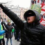 Rozpoznajesz tego mężczyznę? Krakowska Policja prosi o pomoc w identyfikacji sprawcy