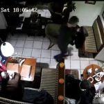 51-latek okradał klientów w krakowskich restauracjach. Zobacz nagranie