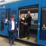 Koncert operetkowy dedykowany seniorom w wykonaniu znanych artystów w tramwaju MPK