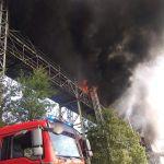 Pożar taśmociągu w hucie został ugaszony. Zobacz zdjęcia z akcji gaśniczej