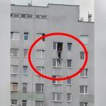 O krok od tragedii. Mężczyzna chciał popełnić samobójstwo (nagranie)