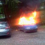36-latek podpalił auto, które doszczętnie spłonęło. Chwilę po zdarzeniu został  zatrzymany