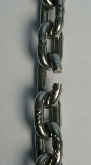 Stainless chain fracture