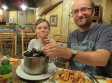 1 Aug 15 - lunch in La Cabane, Lyon (3)