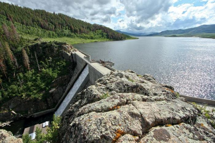 Stagecoach Dam and Reservoir via the Applegate Group