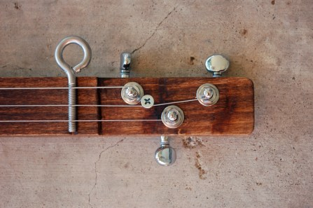 Cigar Box Guitar Headstock