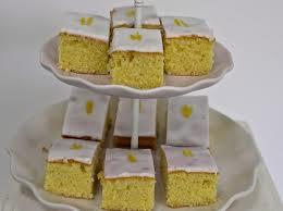 iced lemon traybake, mary berry recipe, lemon traybake, lemon drizzle, traybakes, cozebakes, simple recipes, baking for parties