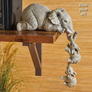 Elephant Resin Ornaments Three piece Decorations 3 Elephant Mothers and Two Babies Hanging on The Edge 2