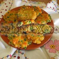 Pataniscas de arroz com legumes