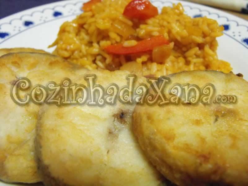 Pescada frita com arroz de tomate