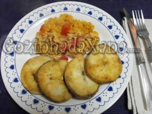 Pescada frita com arroz
