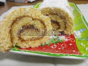 Torta de coco com recheio de marmelada