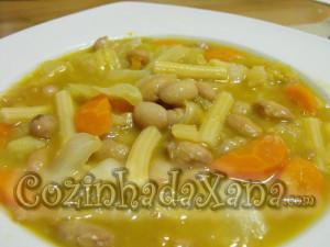 Sopa de feijão gordo
