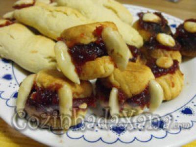 Dedos de bruxa, olhos de monstro e dentaduras de morcego (biscoitos de manteiga)