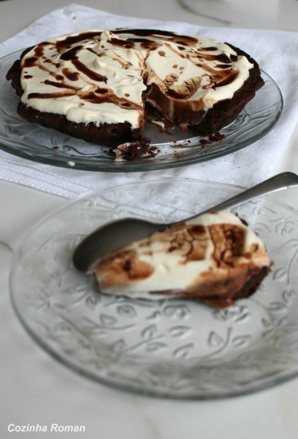 torta cremosa de chocolate com café