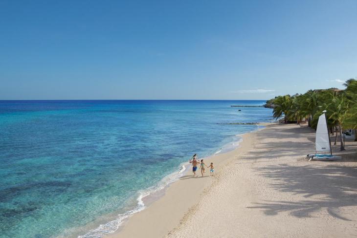 The beach of Sunscape Sabor