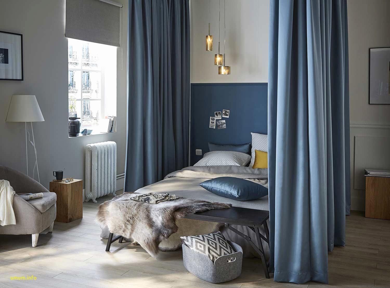 Baldakin över sängen blå