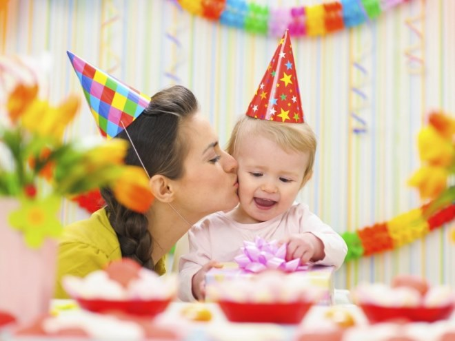 (+135 ফটো) শিশুর জন্মদিনের রুম সাজাইয়া রাখা কিভাবে: 105 ফটো