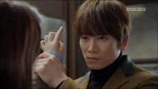 kill-me-heal-me-episode-12-ji-sung-cha-do-hyun-dont-touch-the-hair-large-opt