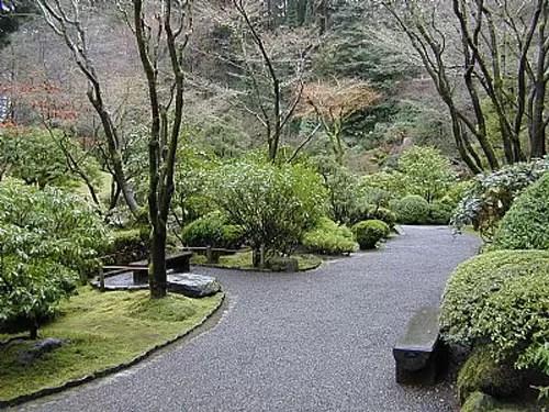 traditional japanese garden design Japanese Landscape Design Ideas | CozyHouze.com