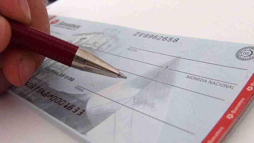 Empresários podem se negar a receber cheques