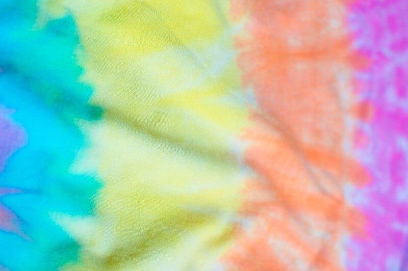 plan a tie-dye party