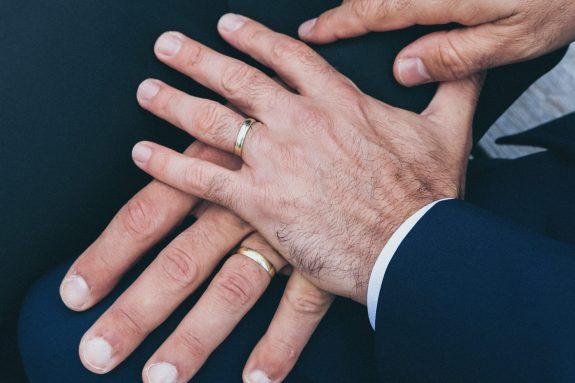 L'Assemblée de l'Union des Églises protestantes d'Alsace et de Lorraine autorise la bénédiction de couples mariés de même sexe