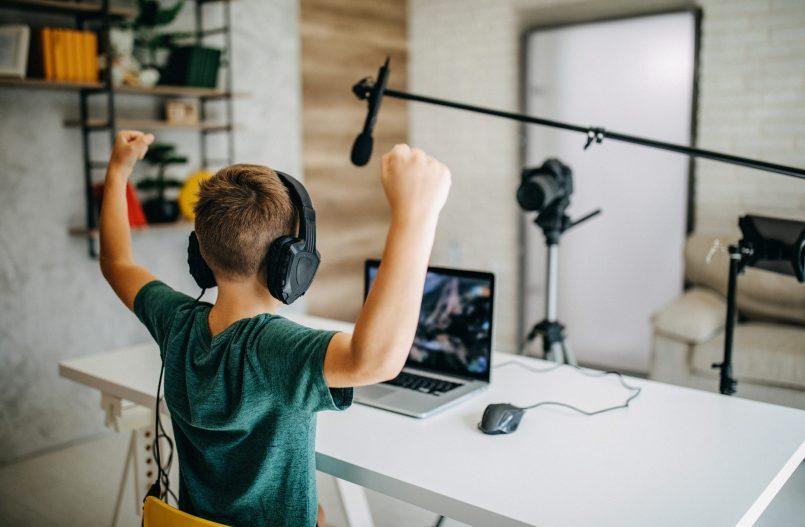 Encadrement du travail des enfants influenceurs