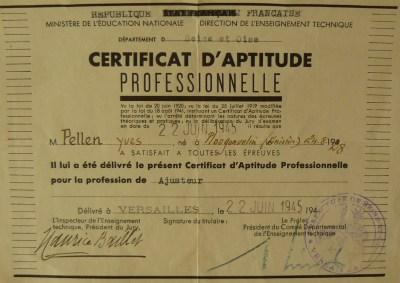 CAP PELLEN Yves 1945