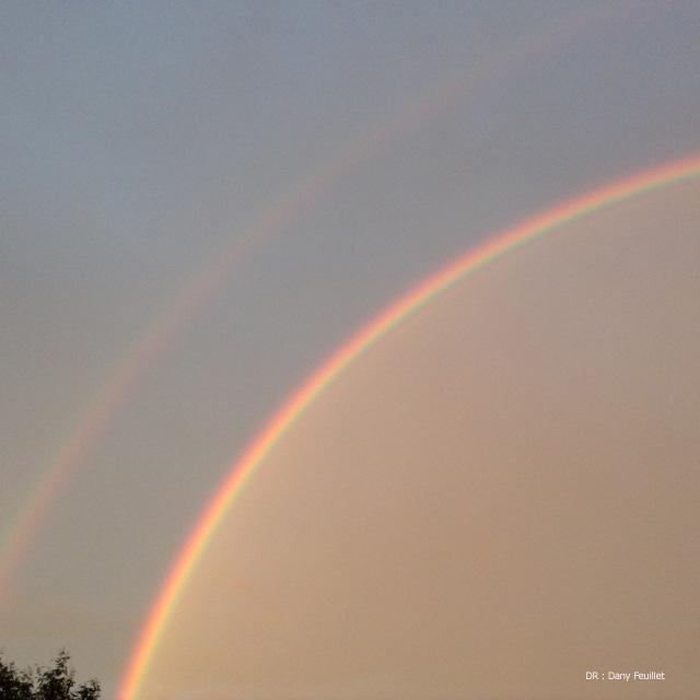 Double arc en ciel dans le ciel de Saint-Gilles-Croix-de-Vie