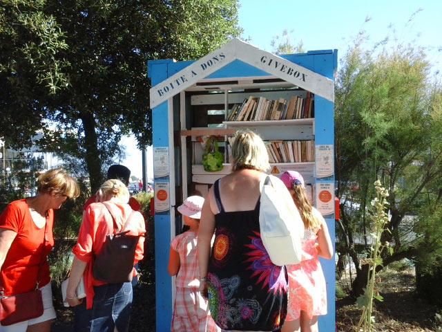Vif succès pour la boîte à don installée à Saint-Gilles-Croix-de-Vie _été 2016