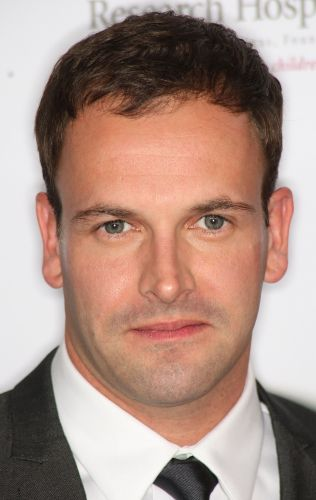 Jonny Lee Miller | Biography, Movie Highlights and Photos ...