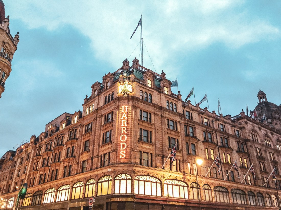 5 Days Trip In The UK - Harrods facade early in the morning