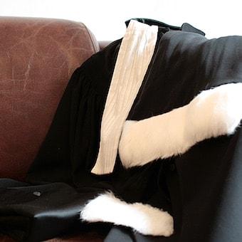 Robe avocat-min