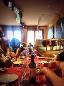 a tavola con i vignaioli abbiamo assaggiato i loro vini abbinai con buonissimi piatti cucinati dalle loro mogli
