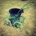 un'ottima idea di Luigi, il marito di Sonia, per riutilizzare il passeggino di quando erano piccoli