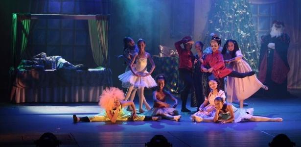 Trecho do espetáculo Um Conto de Natal - O Musical, em cartaz até 30/12 em Campos do Jordão (SP)