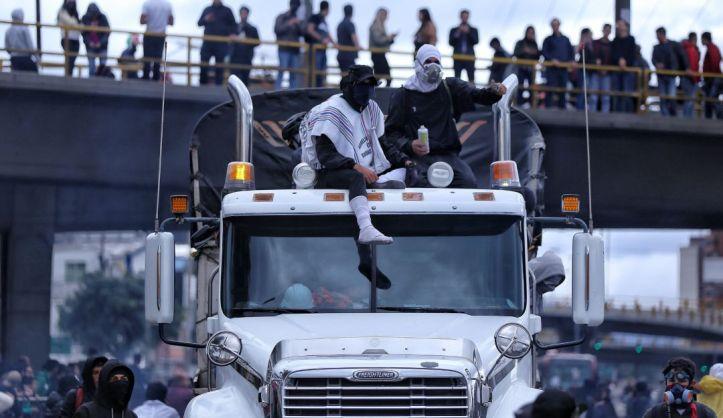 Resultado de imagen para vandalos manifestaciones bogota drogas