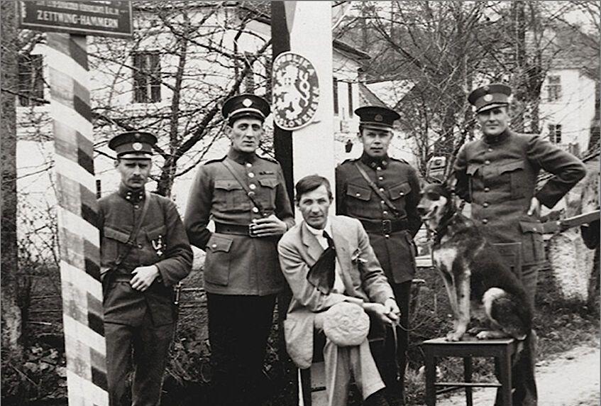 Neighbours: An Austrian-Czech History Book: Book review