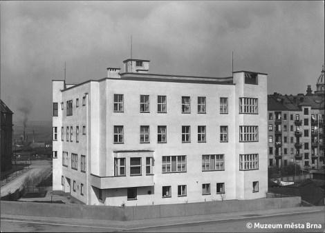 Rudolf Sandalo: The Rudolf Kropač Sanatorium by Bohuslav Fuchs, Brno, 1927-28