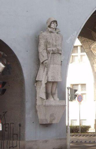 Éva Lőte, The Dead Soldier, Gate of Heroes