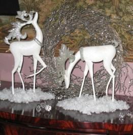 Decoratiuni de Craciun albe si argintii