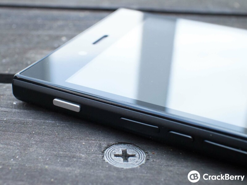BlackBerry Z3 buttons