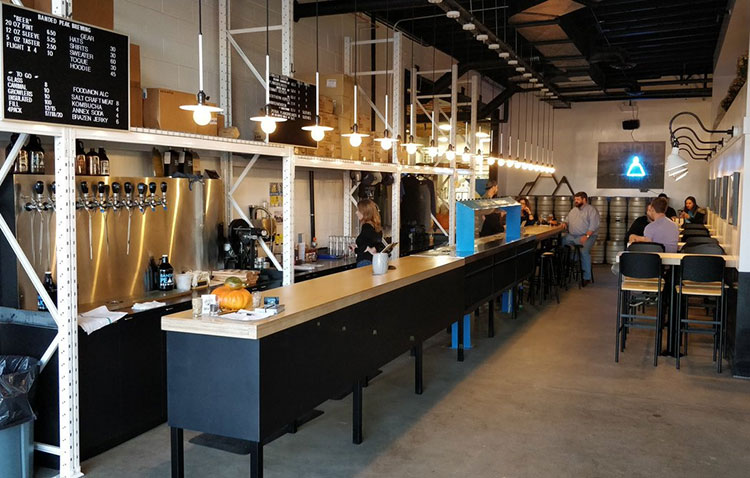 Banded Peak Brewing taproom