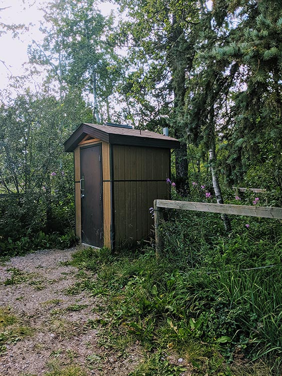Camping Birch Lake outhouse